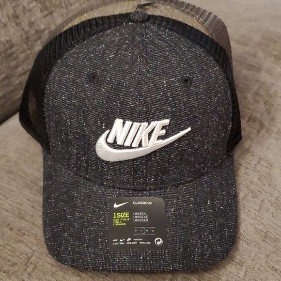 Nike Classic 99 Trucker Hat Adjustable